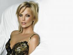 Charlize Theron 15 Thumb