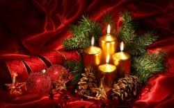 Silky Red Christmas Candles Wallpaper #32352