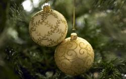 Colorful Christmas ornaments wallpaper 31189