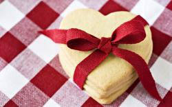 Heart Shaped Cookies With Red Ribbon | 1680 x 1050 | Download | Close