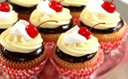 Cupcakes Cream Chocolate Frosting Cherry Close Up HD Wallpaper