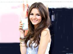 Cute Victoria Justice Wallpaper 10422