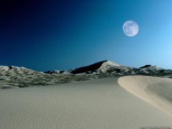 Moon Rising in Desert HD