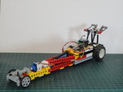 """12 Thumbs"" R/C LEGO Dragster"