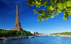 Eiffel Tower Wallpaper; Beautiful Eiffel Tower Wallpaper