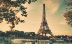 Wonderful Eiffel Tower Wallpaper 2470