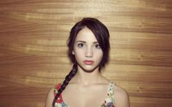 Emily Rudd Portrait Girl Model HD Wallpaper