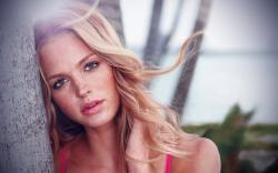 Erin Heatherton Fashion Model