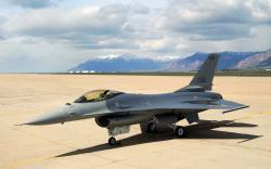 Free F16 Wallpaper
