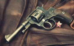 Fantastic Pistol Wallpaper