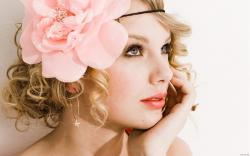 Fascinating 2013 Taylor Swift Wallpaper