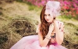 Beautiful Girl Redhead Dress Ring Fashion