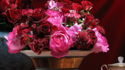 2048x1152 Wallpaper roses, carnations, flowers, bouquet, vase, petals, table