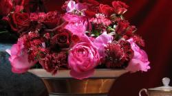 2048x1152 Wallpaper roses, carnations, flowers, bouquet, vase, petals, table