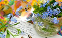 Forget me not flowers vase