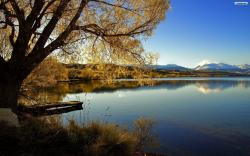 DOWNLOAD: beautiful-quite-lake-wallpaper free picture 2560 x 1600