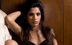 Freida Pinto High Resolution wallpapers Freida Pinto Pictures
