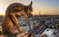 Gargoyle statue paris