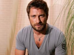 ... Gerard Butler with Beard ...