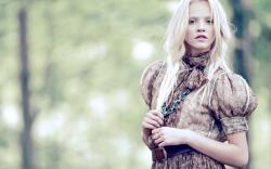 Gina Lapina Blonde Model Fashion