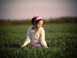 Little Girl Outdoor, Beautiful Girl Staying Outdoor, Sitting on Green Grass 3200X2400 free wallpaper