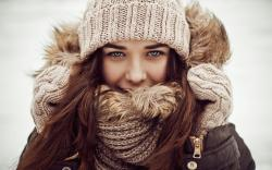 2560x1600 Wallpaper girl, scarf, hat, winter, brunette