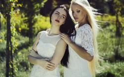 Girls Blonde Brunette Dress Fashion