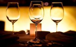 Glasses Table Photo
