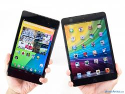 The Google Nexus 7 (left) and the Apple iPad mini (right) -
