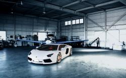 Hangar Plane Lamborghini Aventador LP700-4