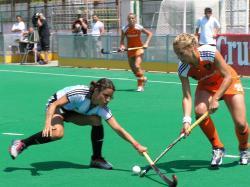 Mercedes Margalot in a match against Nederlands in 2005.