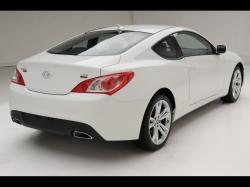 2010 Hyundai Genesis Coupe R-Spec - Rear Angle 3 - 1920x1440 - Wallpaper