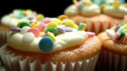 cupcakes icing cake
