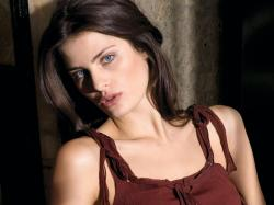 Isabeli Fontana Official Sources