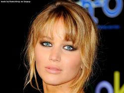 On 15-8-1990 Jennifer Lawrence (nickname: J-Law) was born in Louisville, Kentucky, US. The daughter of father Gary Lawrence and mother Karen Lawrence is as ...