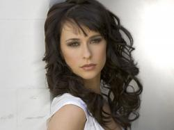 After being away from CBS for four years working on several projects including her short lived series The Client List on Lifetime, Jennifer Love Hewitt will ...