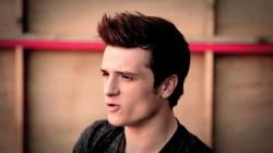 ELLE magazine BTS footage - josh-hutcherson Screencap