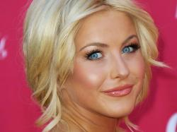 Julianne Hough Joins DANCING WITH THE STARS Season 19 as a Judge