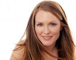 Julianne Moore Young (18)