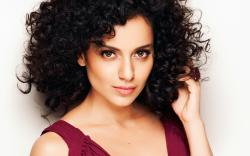We know many stars who brag about their success and the fan base they have got. But not Kangana. She is wise and very modest about her achievements.