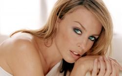 Dwayne Johnson's earthquake thriller San Andreas just got another boost of star power, in the form of Kylie Minogue.
