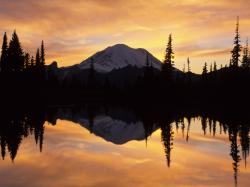Mount Rainier and Tipsoo Lake Washington