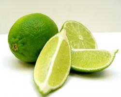 5 Amazing Anti-Aging Health Benefits Of Lime (Plus A Lime Recipe You Should Try) - The Trent