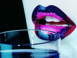 LIps Glass - lips Wallpaper