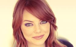 Lovely Actress Emma Stone Photo HD Wallpaper