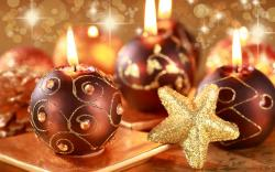 Lovely Christmas Candles Wallpaper