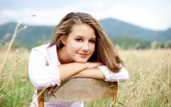 Lovely Girl 28450 1680x1050 px