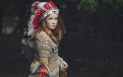 Lovely Girl Headdress Feathers HD Wallpaper