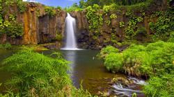 Lovely Waterfall Wallpaper 12492