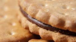 1920x1080 Wallpaper cookies, chocolate, stuffing, macro